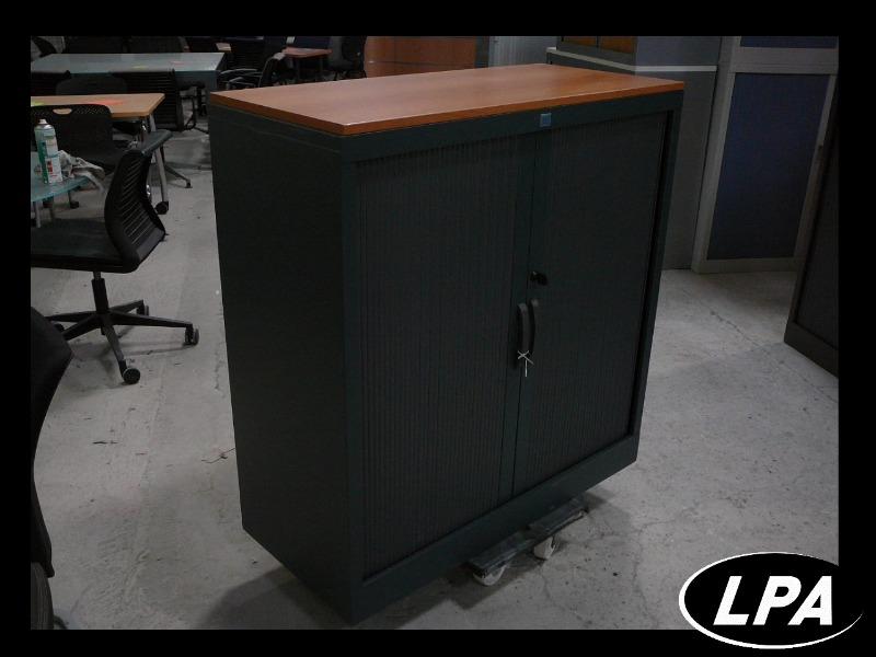 armoire basse dossiers suspendus armoire basse armoires lpa. Black Bedroom Furniture Sets. Home Design Ideas