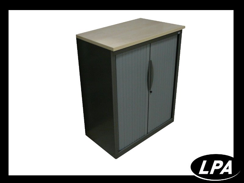 armoire basse dossier suspendu armoire basse armoires lpa. Black Bedroom Furniture Sets. Home Design Ideas