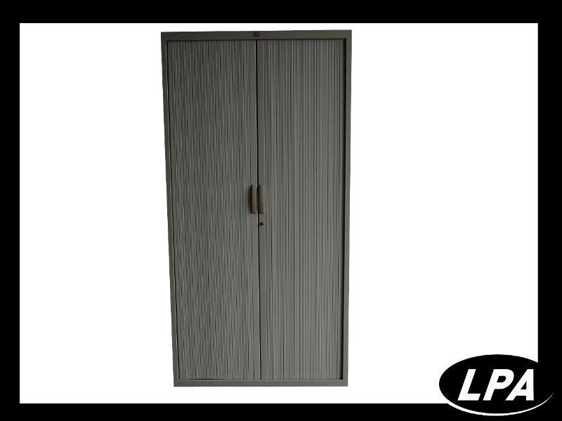 armoire m tallique professionnel armoire haute armoires lpa. Black Bedroom Furniture Sets. Home Design Ideas