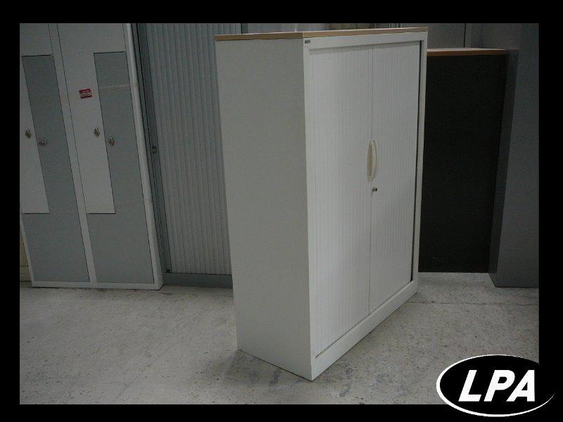 armoire m tallique mi hauteur blanche armoire mi haute armoires lpa. Black Bedroom Furniture Sets. Home Design Ideas