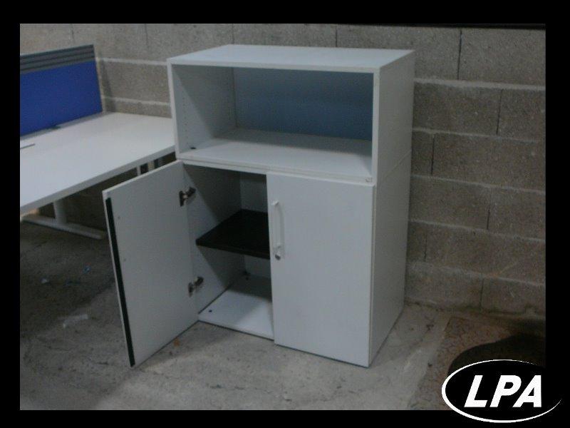 Armoire portes battantes blanche armoire basse for Armoire blanche bureau