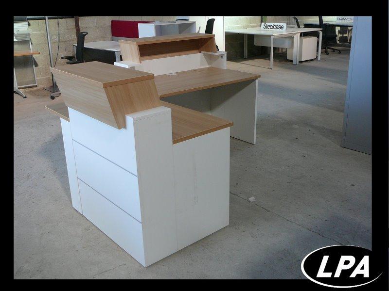 Banque d 39 accueil banque d 39 accueil mobilier de bureau lpa for Mobilier bureau 63