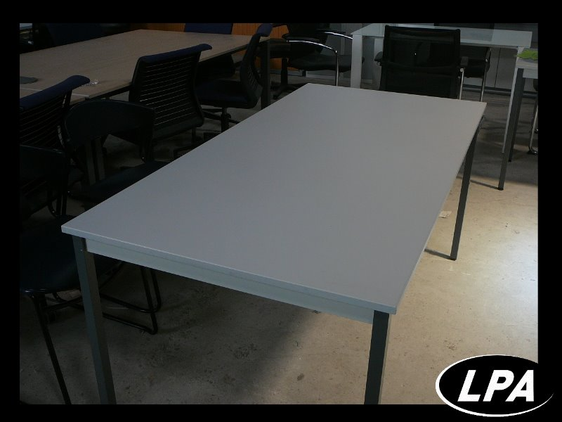 grande table modulaire table mobilier de bureau lpa. Black Bedroom Furniture Sets. Home Design Ideas