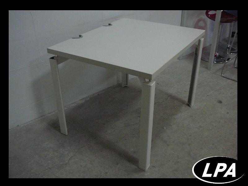 Petit bureau blanc formation bureau mobilier de bureau for Petit bureau blanc